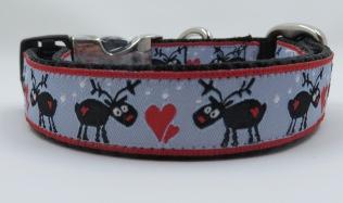 christmas reindeer 3 fourths on blue